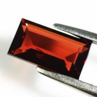 gemstone: โกเมน-Garnet size: 9.2x5.0x3.2 carat: 1.81Ct.